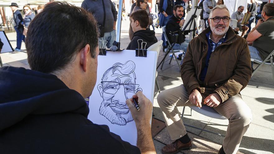 Caricaturas en vivo en la Plaza de la Corredera   ÁLEX GALLEGOS