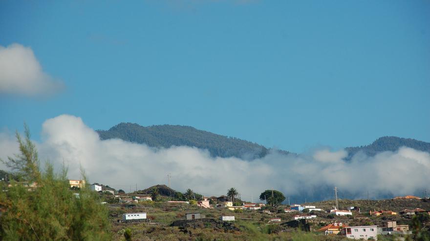 Nubes bajas en el municipio de Mazo.