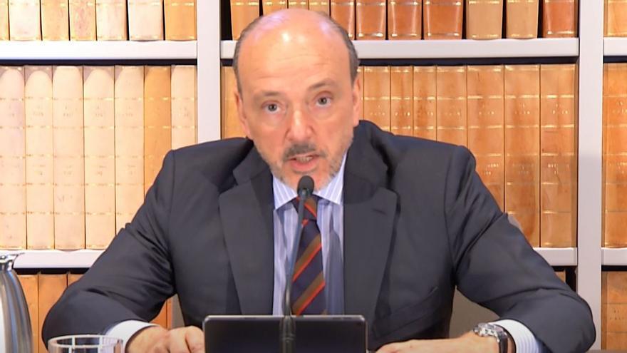 El presidente no ejecutivo de Prisa, Javier Monzón, durante la Junta General de Accionistas de 2020, que se celebró de forma telemática por el coronavirus.