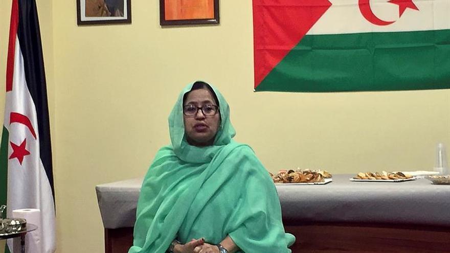 Bulahi, la primera mujer que representa al Polisario, pide paz para su pueblo