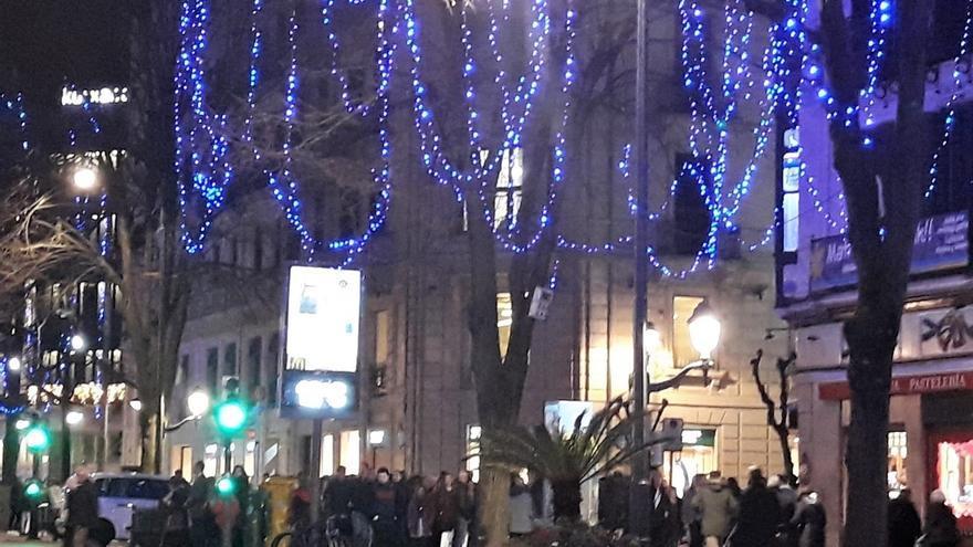 Los vascos gastaron 460 euros de media en sus compras de navidad, un 3% menos que en 2018