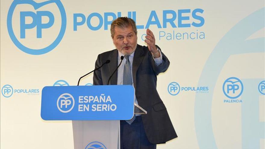 Méndez de Vigo critica la agresividad y el insulto de Sánchez a Rajoy