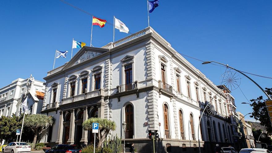 El Ayuntamiento resuelve el primer listado de subvenciones del programa Santa Cruz Adelante contra la COVID-19