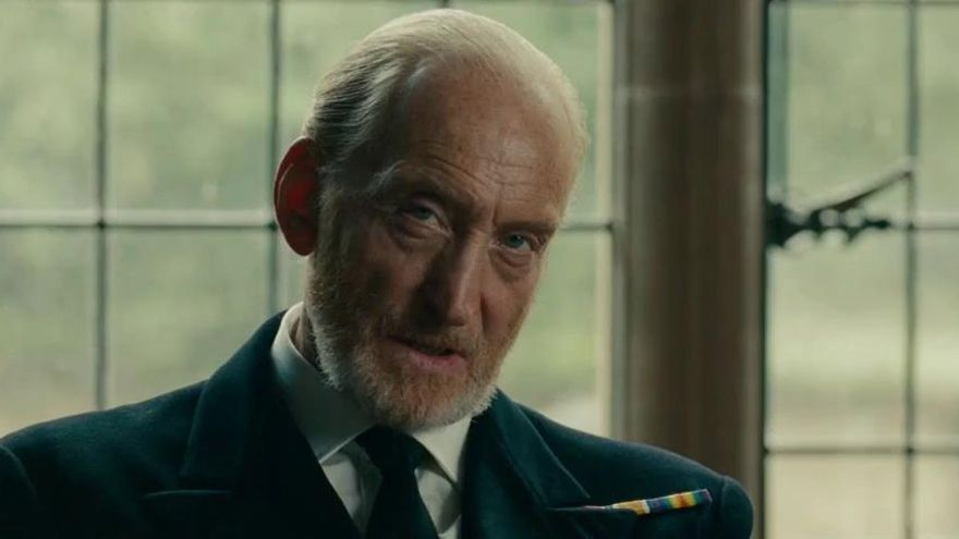 Tywin Lannister como Alastair Denniston, el falso villano