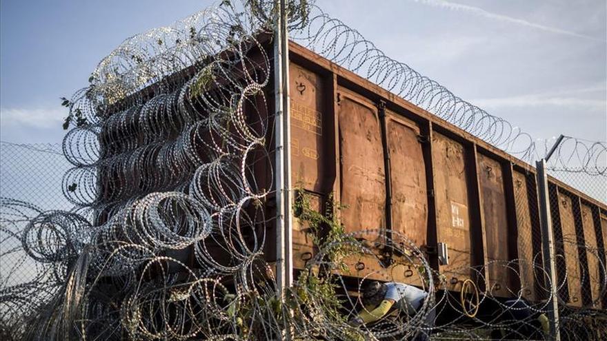 Policía húngara detiene a 16 refugiados con la nueva legislación migratoria