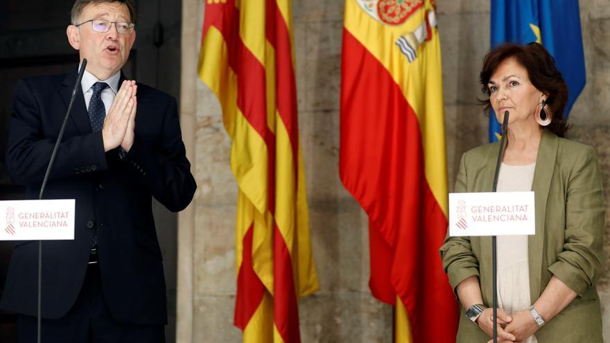 La vicepresidenta del Gobierno, Carmen Calvo, y el 'president' de la Generalitat Valenciana, Ximo Puig, durante una rueda de prensa el pasado mes de junio.