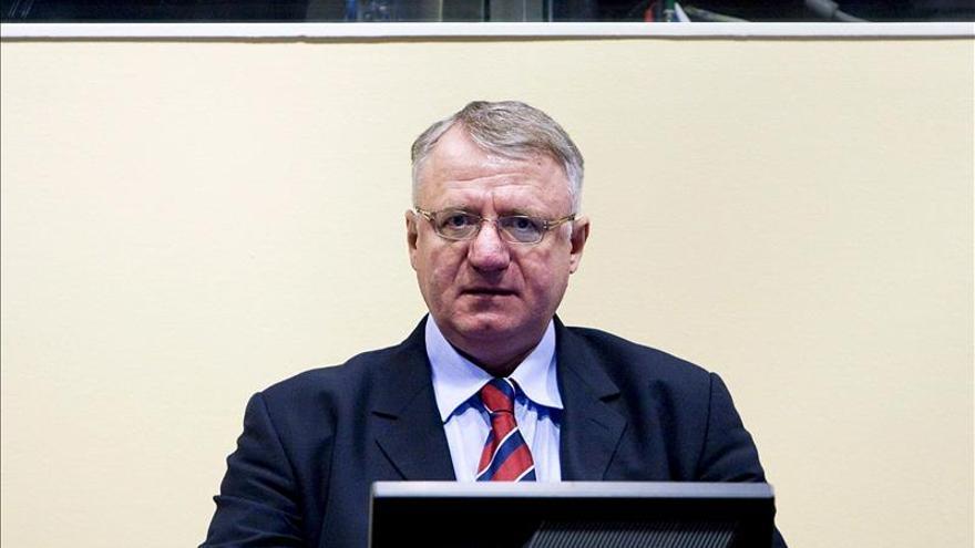 El exlíder ultra serbio Seselj sale de Holanda tras su liberación provisional por el TPIY