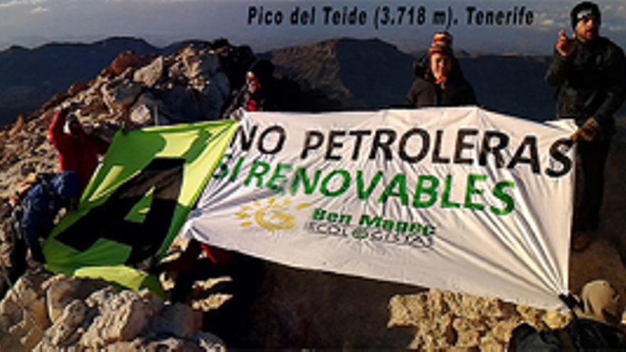 ''No al petróleo'' desde lo más alto de Canarias
