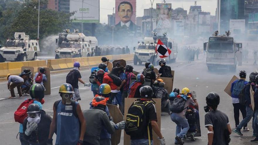 Brasil suspende la exportación de gas lacrimógeno a Venezuela