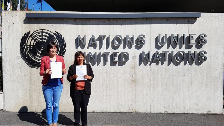 Pontón y Miranda, ante la sede de la ONU en Ginebra