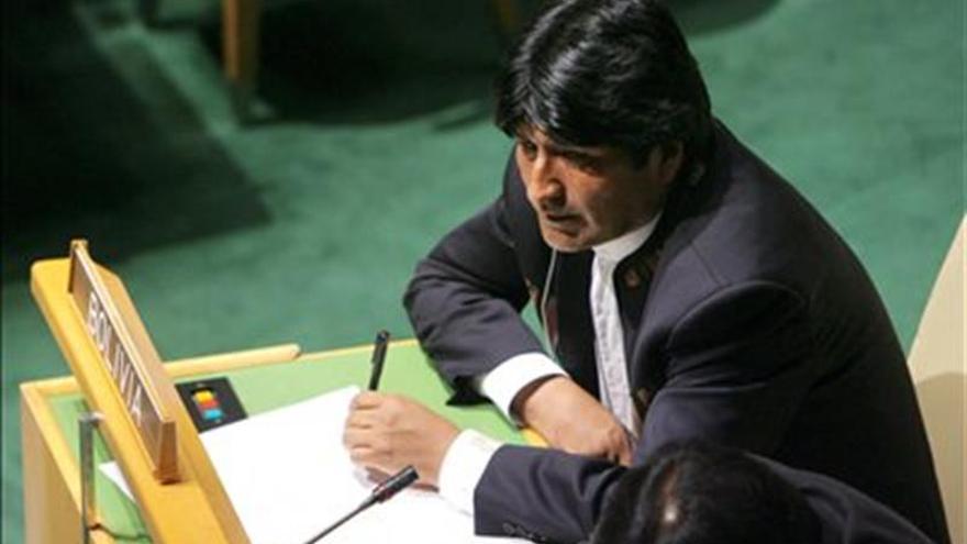 Morales felicita a Santos por el Nobel y pide buscar paz con justicia social