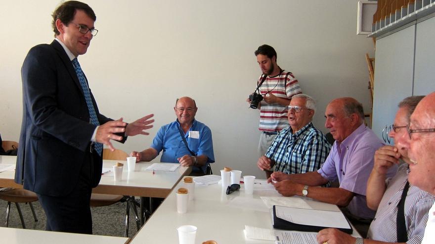 """Mañueco asegura que """"no se va a dar"""" la """"ecuación"""" de que Herrera le dé el relevo al frente de la Junta"""