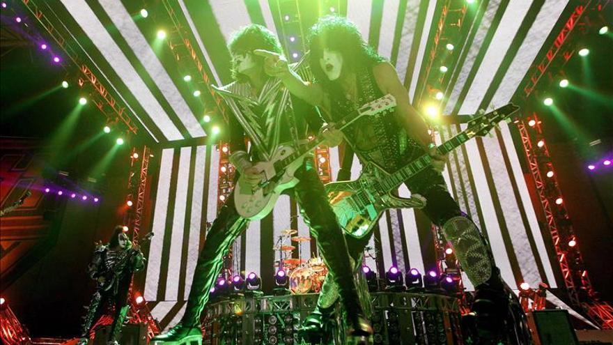 Kiss celebra en Barcelona 40 años de vida con una revolución de heavy metal