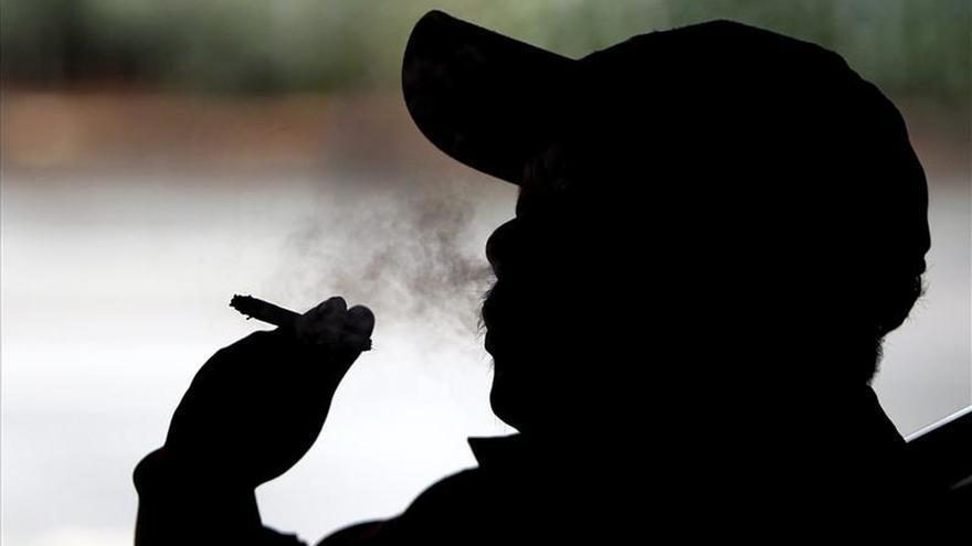 Fumar acelera el proceso de envejecimiento del cerebro, según un estudio