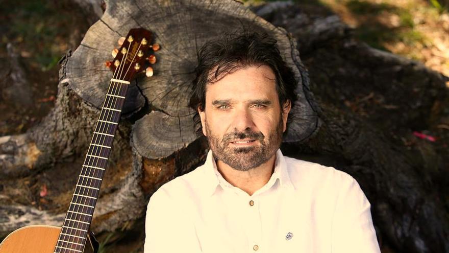 Marcos Bárcena, uno de los rostros más conocidos de la música cántabra.