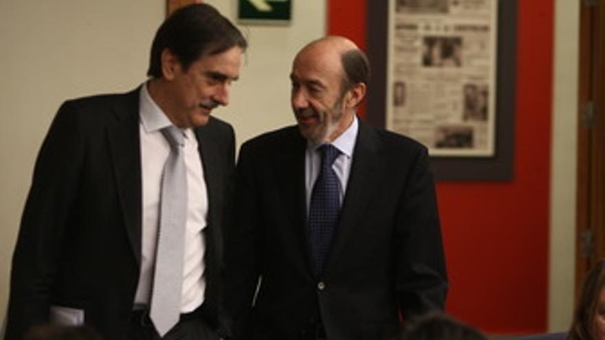 Ministro de Trabajo, Valeriano Gómez y el vicepresidente primero y ministro del