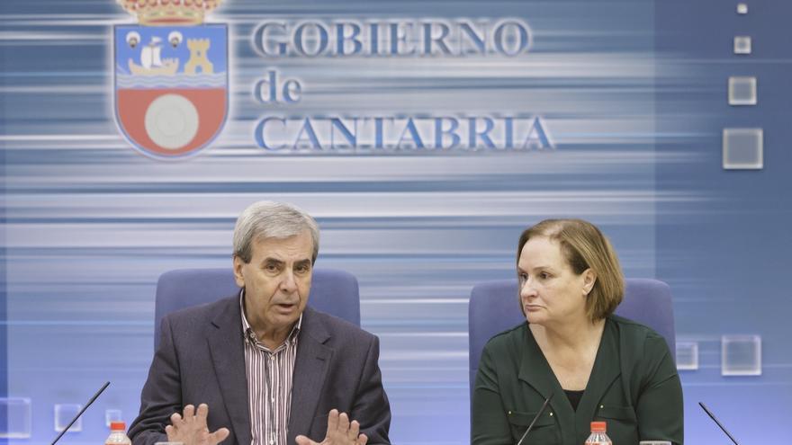 Rafael de la Sierra y Mar Arruti en rueda de prensa. |