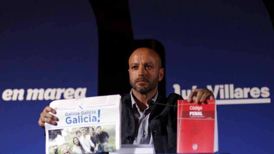 Luis Villares con una publicación del PP y el Código Penal
