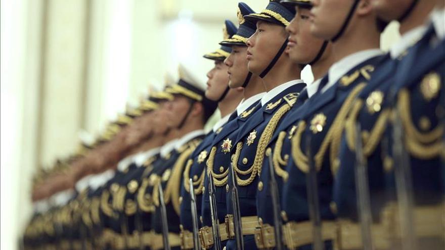 China ordena a sus empresas estatales que contraten soldados retirados
