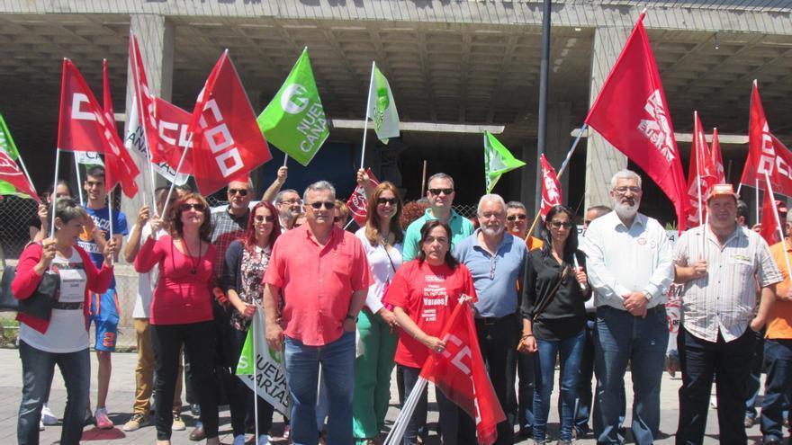 Sindicatos y partidos políticos se concentraron este viernes en el Parque Los Álamos. Foto: LUZ RODRÍGUEZ.