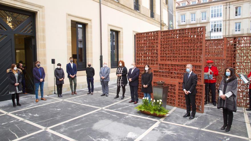 El Parlamento Vasco, sin PP+Cs ni Vox, recuerda a todas las víctimas