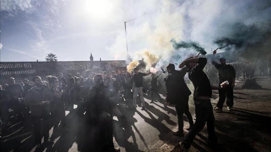 Italia vive otra tensa jornada de protestas contra las políticas de Renzi
