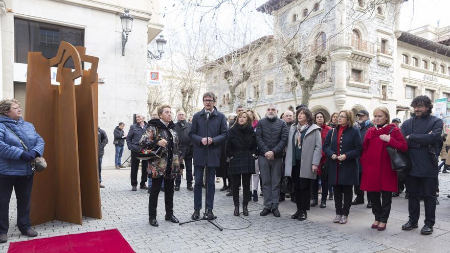 Vitoria recuerda con una ecultura a todas las víctimas del franquismo