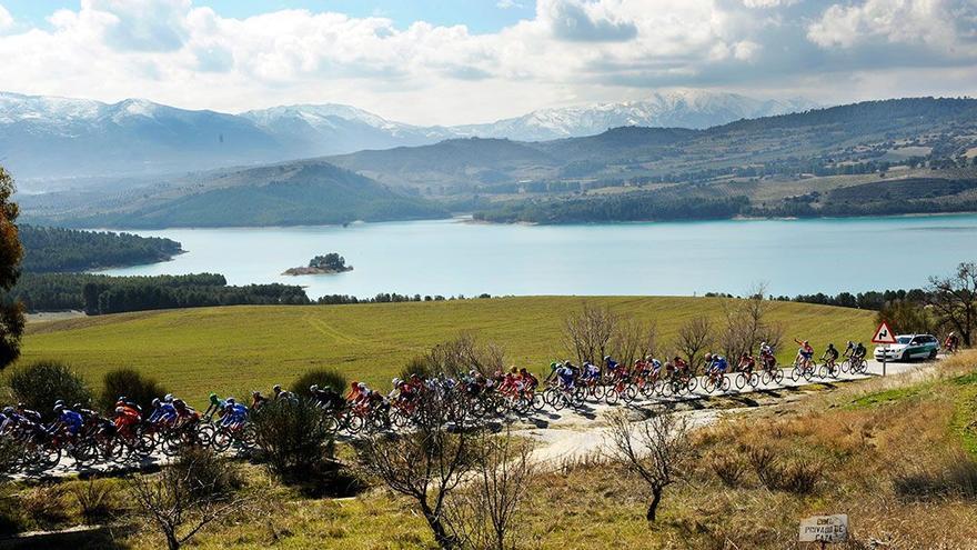 Pelotón en una de las últimas ediciones de la Vuelta.
