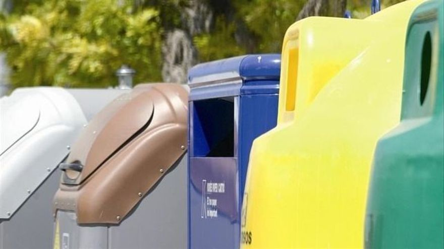 Contenedores para la recogida selectiva de residuos urbanos