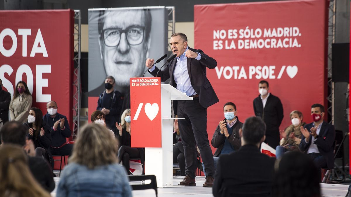 José Manuel Franco en un acto de campaña de Ángel Gabilondo.