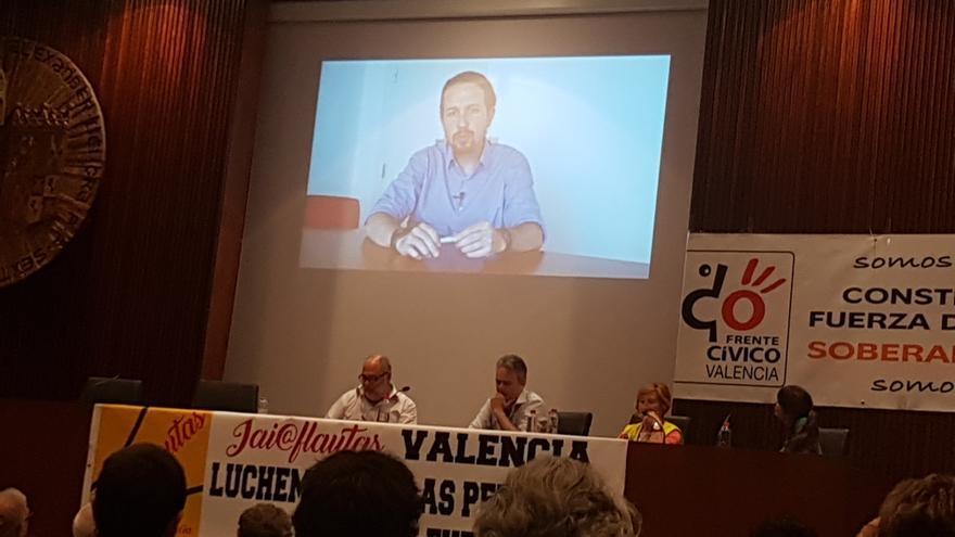Pablo Iglesias interviene por videoconferencia en un acto de Frente Cívico