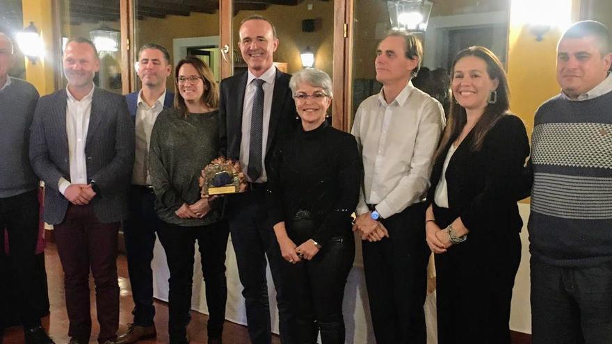 Delegación palmera en Menorca.