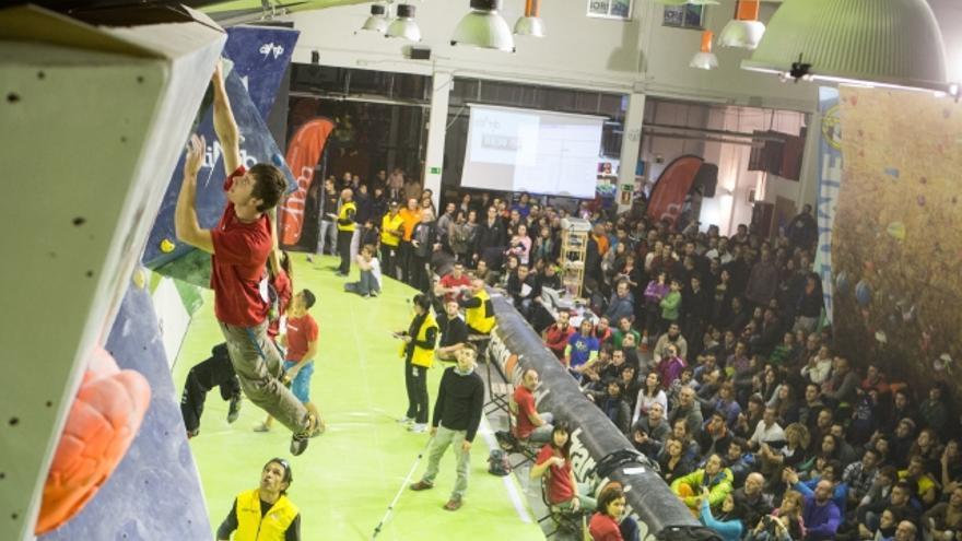 Penúltima prueba de la Copa de España de Bloque en la sala The Climb (© Javipec).