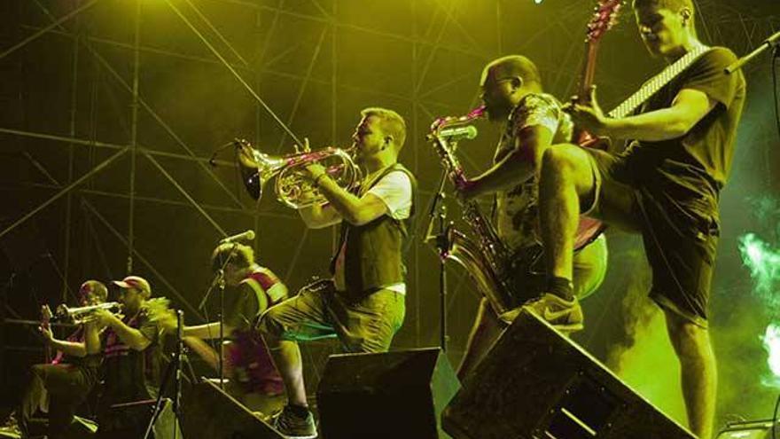 El grupo Rokavieja actuando en la feria de Yecla el pasado 16 de septiembre / Archivo Rokavieja