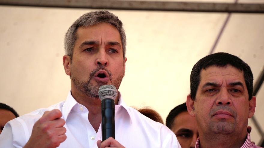 Abdo Benítez se salva de un juicio pero su gestión de la pandemia sigue sin réditos