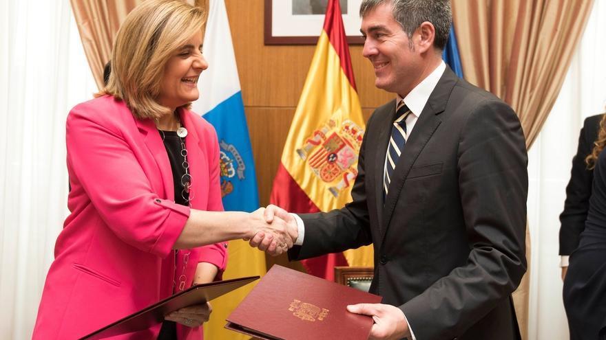 """Clavijo agradece a Báñez su """"compromiso con el empleo y con Canarias"""""""