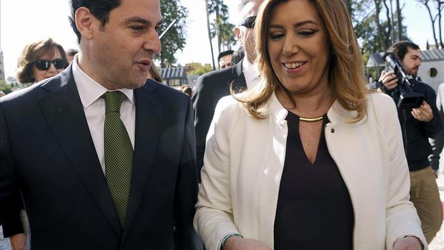 Juan Manuel Moreno, ahora presidente, y Susana Díaz, en la oposición