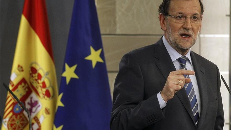 """Rajoy se declara """"conmocionado"""" y traslada a Francia todo el apoyo de España"""