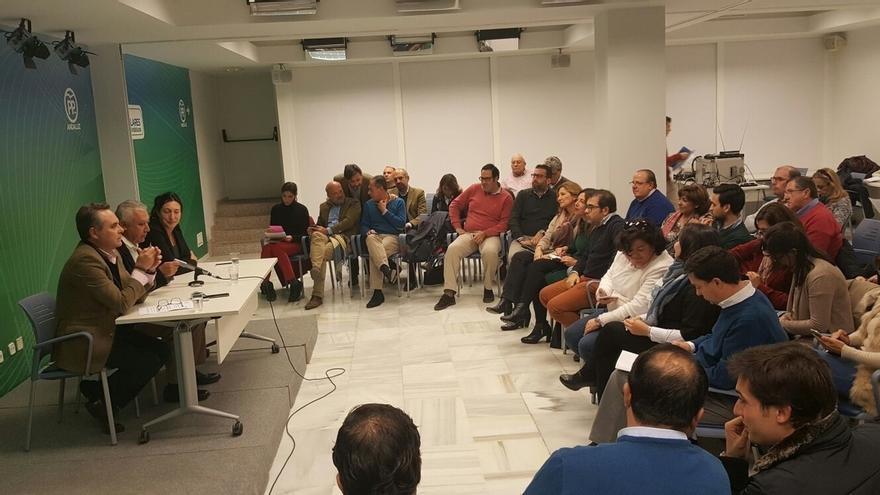 Arenas y Bueno preparan el congreso nacional del PP con los compromisarios de la provincia