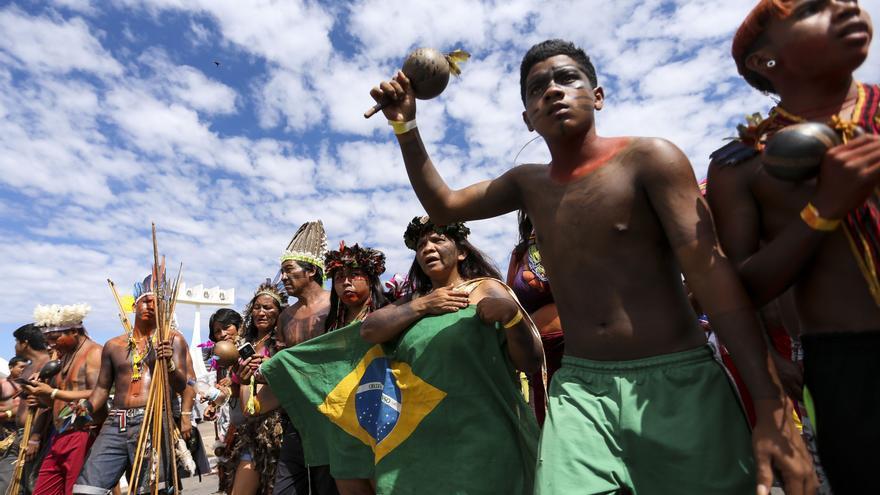 Manifestación indígena en Brasilia.