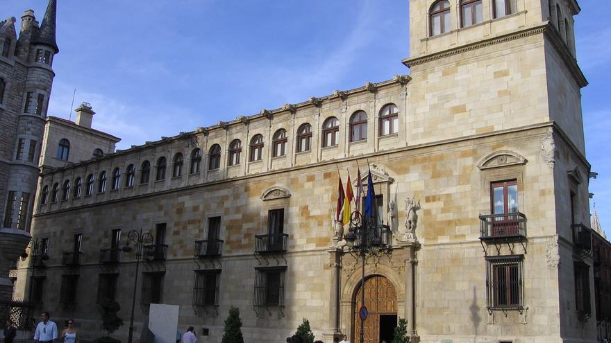 Fachada de la Diputación de León