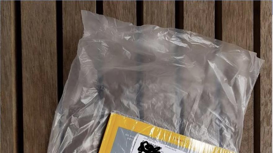 La National Geographic envuelta en plástico
