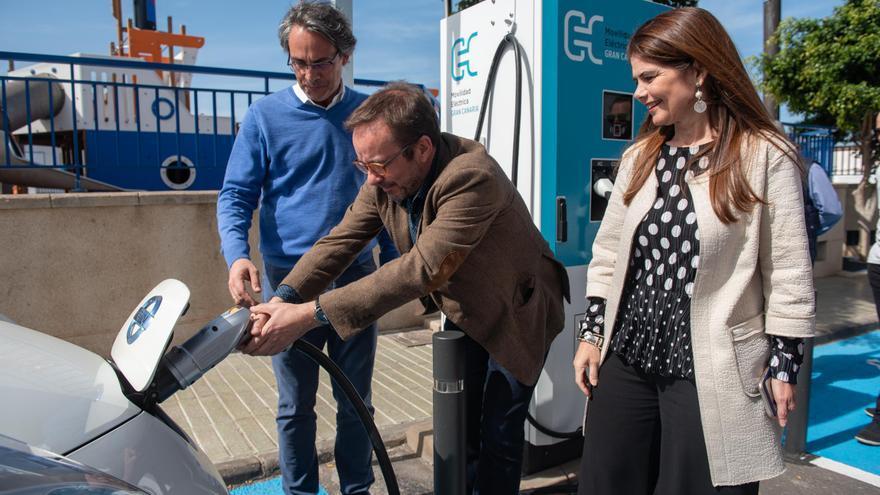 """Gran Canaria inaugura su primer punto de recarga """"ultrarrápido"""" para vehículos eléctricos en el Puerto de Las Nieves"""