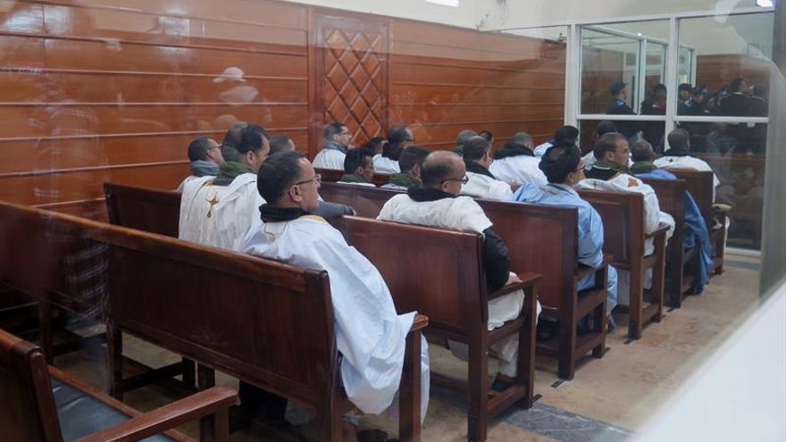 Los activistas saharauis de Gdeim Izik, en un tribunal civil marroquí en diciembre de 2016. |