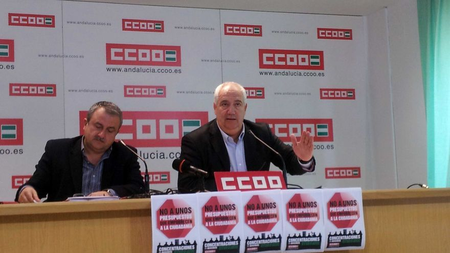 Rueda de prensa sobre presupuestos 2015. Humberto Muñoz (izda) y Francisco Carbonero