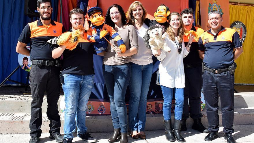 Protección Civil estrenó su teatro de títeres para los más pequeños