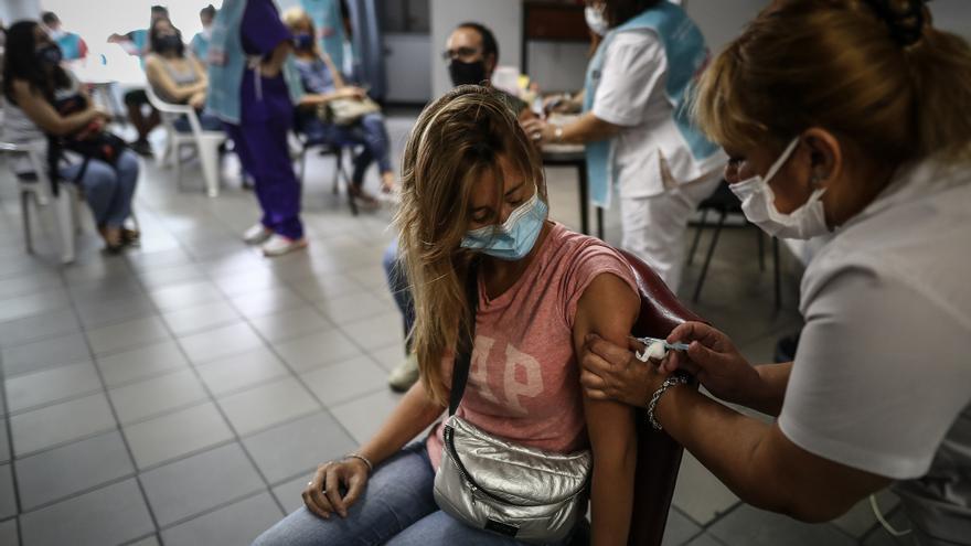 Argentina reporta 5.807 nuevos casos y 153 muertes por la covid-19