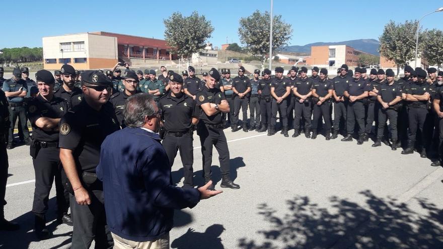 Interior aclara a Rufián que no tiene en marcha ninguna condecoración policial por los incidentes del referéndum
