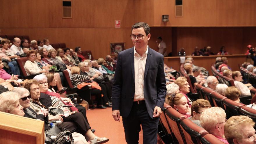 El vicepresidente de Canarias, Pablo Rodríguez, en el Festival de Mayores de Gran Canaria.