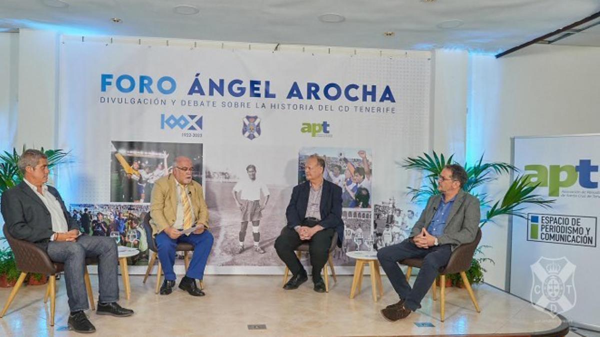 Participantes en la primera sesión del Foro Ángel Arocha